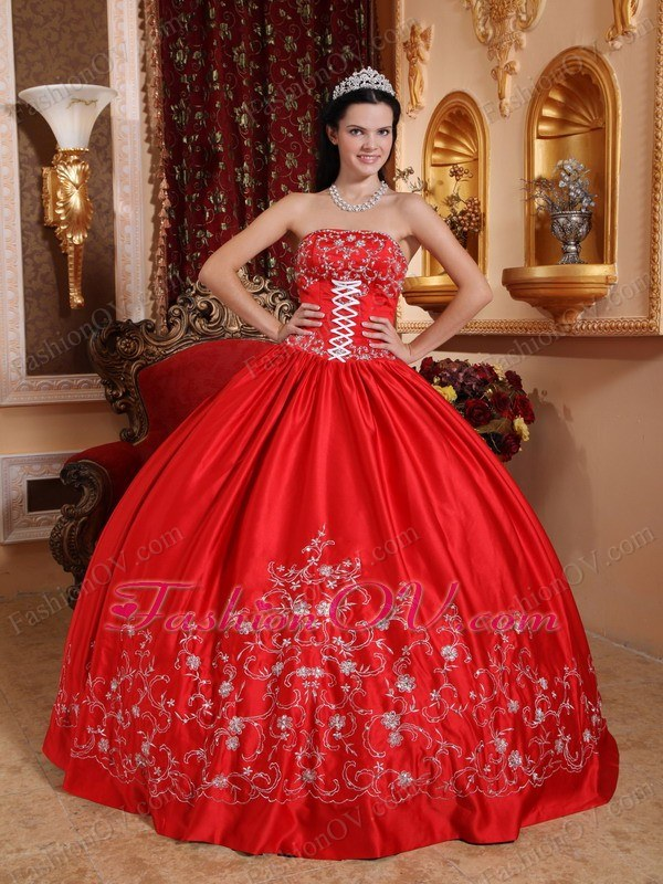 Taffeta Embroidery Quinceanera Gown Dress Red Strapless