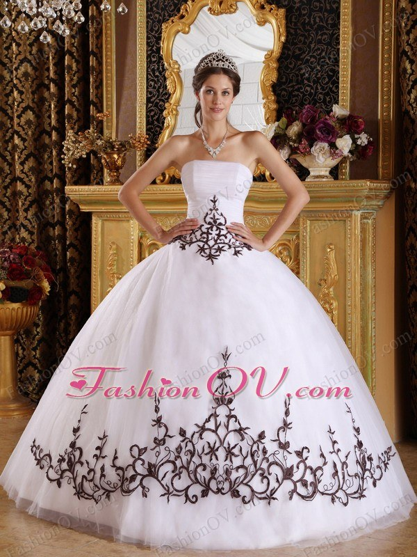 Embroidery Ball Gown Dresses for Sweet 16 Quinceanera