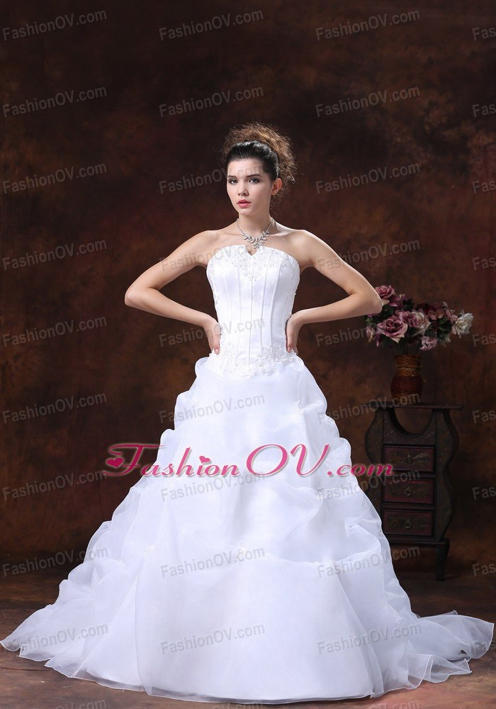A-line Organza For Wedding Dress Appliques Strapless