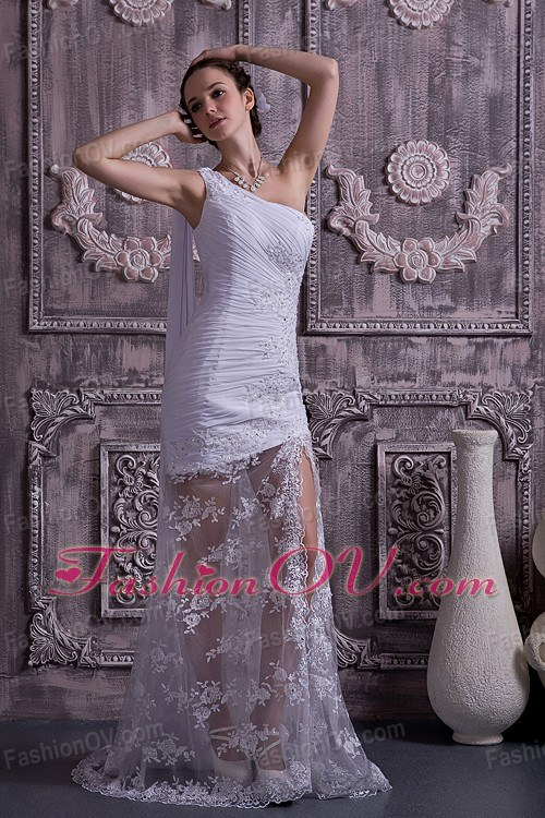 Lace Appliques Ruched Bridal Dress One Shoulder Watteau Train