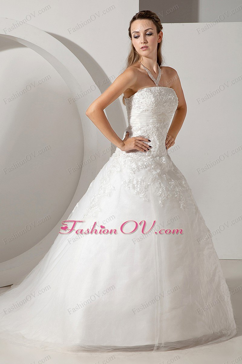 Lovely Ball Gown Strapless Tulle Appliques Wedding Dress