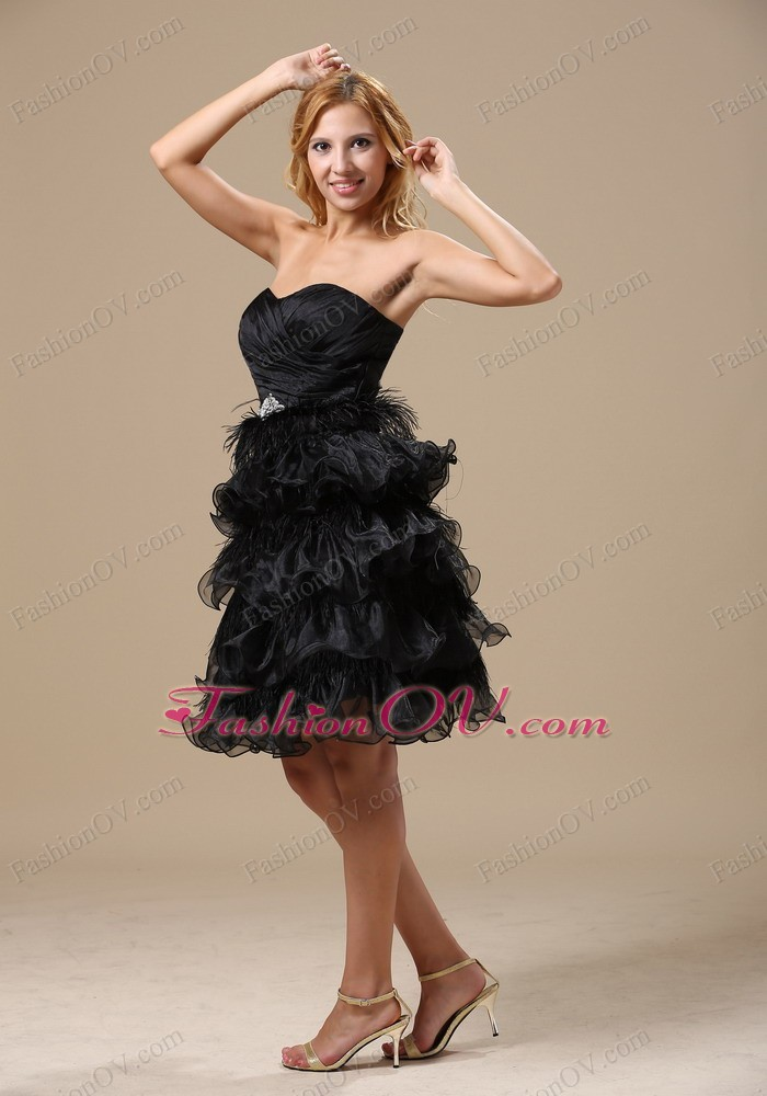 Ruched and Beading Ruffles Knee-length Little Prom Dresses
