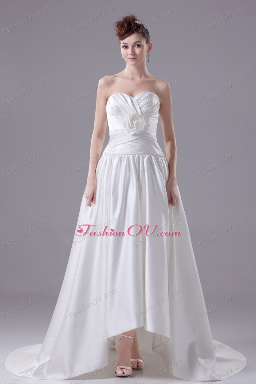 Hand Made Flowers Sweetheart Brush Train Wedding Dress