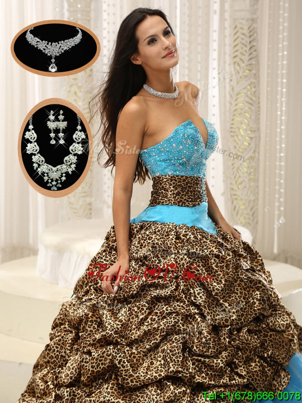 Cheap Sweetheart Sweet Sixteen Dresses with Beading and Pick Ups