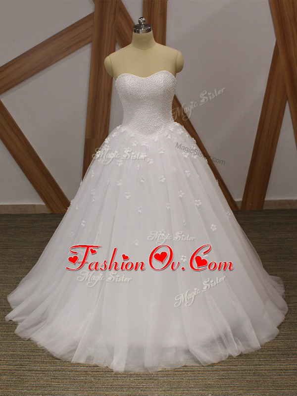 Traditional Sweetheart Sleeveless Wedding Gowns Floor Length Beading and Hand Made Flower White Tulle