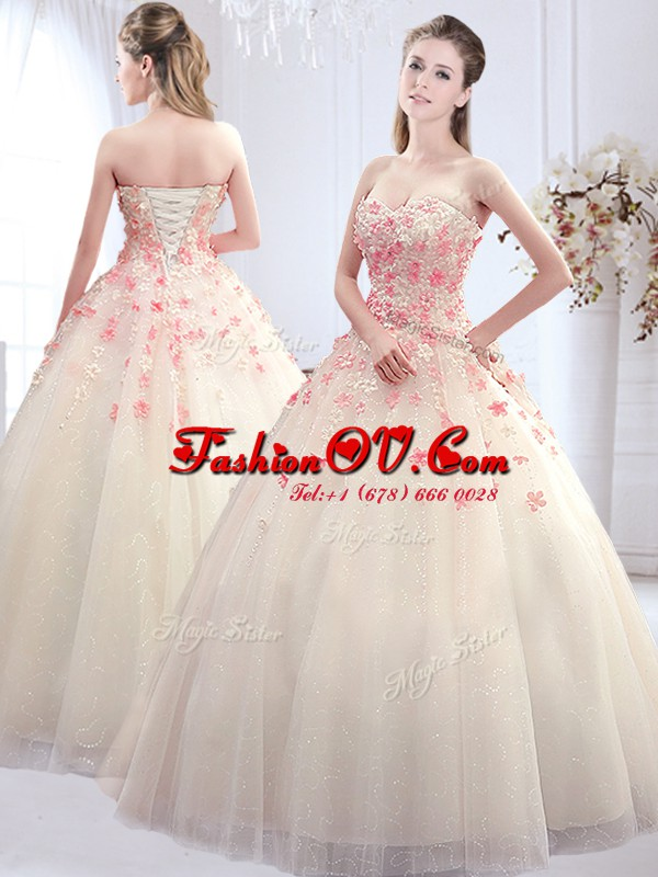 Floor Length A-line Sleeveless White Wedding Gowns Lace Up