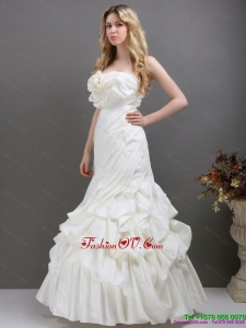 2015 Pleated White Strapless Wedding Dresses with Ruffles and Pick Ups