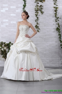 2015 Pretty Strapless Beading Wedding Dress with Brush Train