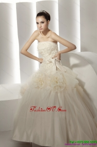 Popular Ruffled White Beach Wedding Dresses with Rolling Flowers