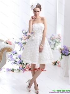 White Strapless Beach Wedding Dresses with Bownot and Rolling Fowers