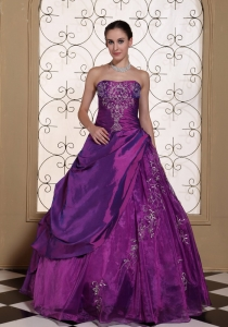 Modest Purple Quinceanera Dresses with Embroidery for Cheap