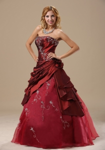 Burgundy Strapless Quinceanera Dress with Floral Embroidery