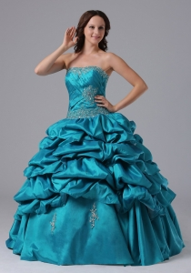 2013 Beading Ball Gown Ruch Pick-ups Quinceanera Dress