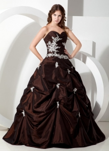 Chocolate Sweetheart Quinceanera Dress Appliques Taffeta