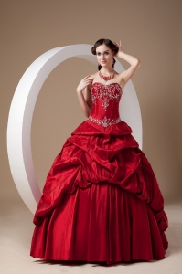 Wine Red Quinceanera Dress A-line Sweetheart Taffeta Appliques