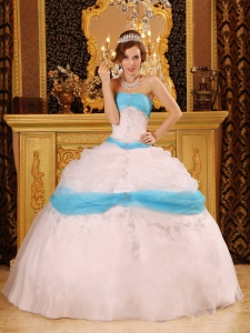 Perfect Ball Gown Strapless Appliques Organza Blue and White