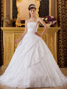 Strapless White Ball Gown Tafftea and Tulle Appliques