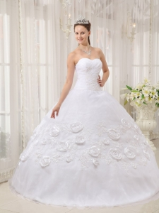 White Ball Gown Sweetheart Organza Quinceanera Dress