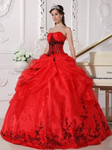 Strapless Appliques Quinceanera Ball Gown Red and Black