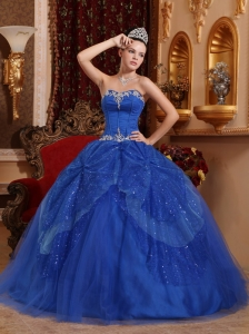 Sweetheart Tulle Beading and Appliques Quinceanera Dress