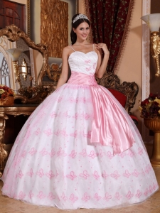 Light Pink Quinceanera Dress with Spaghetti Straps Embroidery