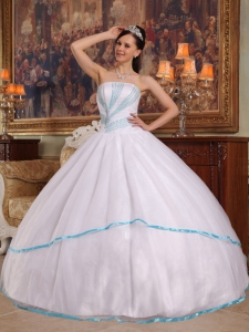 Ball Gown Strapless Organza Beaded White Quinceanera Dress