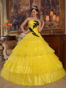 Yellow Strapless Organza Quinceanera Dress with Black Appliques