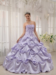 Taffeta Appliques Lilac Quinceanera Dress Strapless