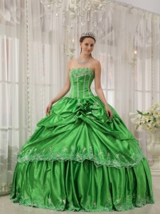 Ball Gown Taffeta Green Quinceanera Dress Beading Applique