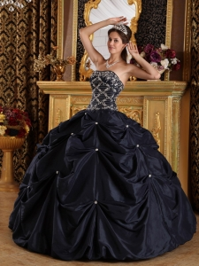 Black Pick-ups Beaded Quinceanera Ball Gowns for Sweet 16