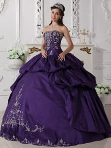 Embroidery Pick-ups Quinceanera Dress Purple Ball Gowns