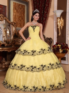 Yellow Ball Gown Strapless Lace Appliques Quinceanera Dress