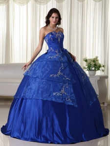 Embroidery Quinceanera Dress Blue Strapless Organza Ball Gown