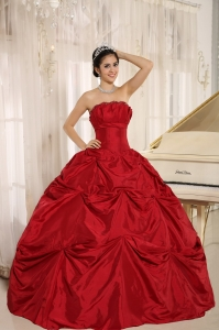 Wine Red Quinces Dress Pick-ups Taffeta Ball Gown Strapless
