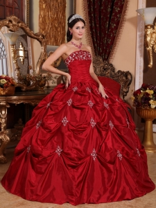 Pick-ups Appliques Dress for Quinces Red Taffeta Ball Gown