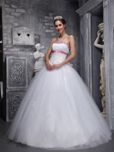 Elegant Quinceanera Gowns Strapless Tulle Beading Appliques