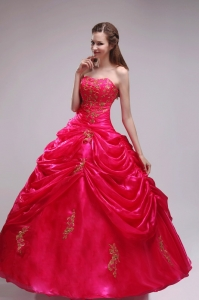 Red Quinceanera Ball Gowns Strapless Organza Appliques