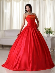 Ruched Quinceanera Dresses Taffeta Red Ball Gown Strapless