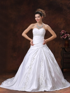 Ruched Bodice Embroidery Wedding Gowns Sweetheart Chapel Train