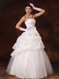 Hand Flowers Strapless Popular Tulle Wedding Dress New Arrival