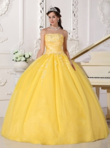 Yellow Strapless Taffeta and Tulle Appliques Quinceanera Gowns