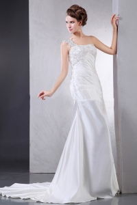 Wedding Dress With Appliques One Shoulder Court Train