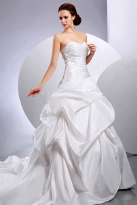 Wedding Dress Sweetheart Ruching Pick-ups Chapel Train