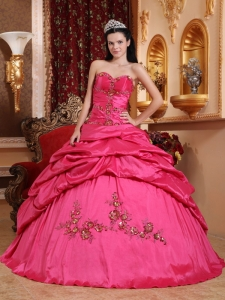Hot Pink Sweetheart Taffeta Appliques Quinceanera Dress