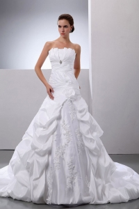 Pick-ups Appliques A-Line Princess Taffeta Wedding Dress