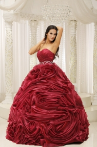 Sweetheart Neckline Beaded Quinceanera Dress Decorate
