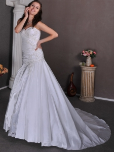 A-line Sweetheart Court Train Taffeta Appliques Wedding Dress