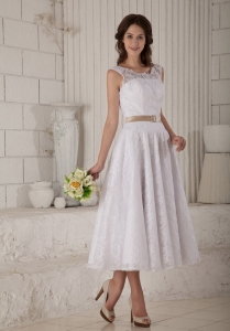 Elegant A-line Princess Scoop Lace Belt Wedding Dress