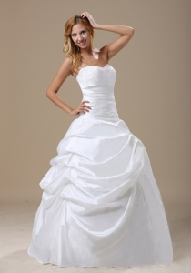 Appliques Sweetheart Neckline Hand Made Flower Bridal Gown