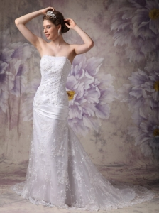 Beautiful Mermaid Strapless Court Train Lace Appliques Wedding Gown